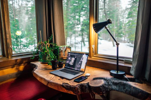 How To: Set Up a Home Office Space to Work From Home